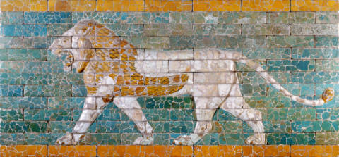 Lion representing Ishtar, frieze from the processional way leading to the great temple at Babylon, early 6th century BC von Künstler Unbekannt als gerahmtes Bild