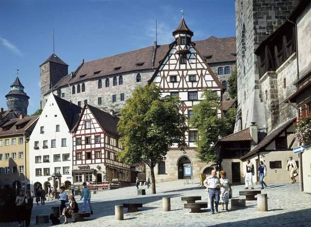Foto-Kunstdruck Albrecht-Dürer-Haus, Nürnberg, Franken von W. Otto (F1  Online) auf Glossy normal