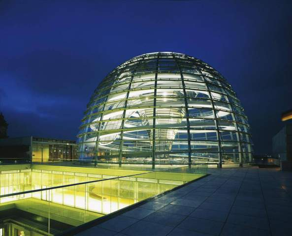 Gromminger Parlament Kuppel Moderne Architektur Glas Terrasse