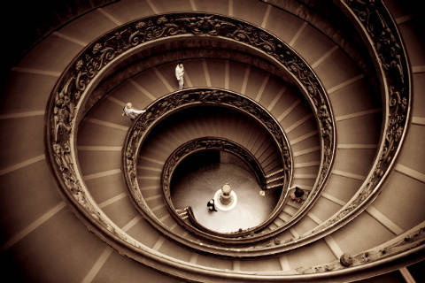 Spiral staircase by Giuseppe Momo leading to main floor of Vatican Museum, Vatican City, Rome von Künstler First Light (F1 Online) als gerahmtes Bild