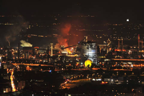 Foto-Kunstdruck: Austrophoto (F1 Online), Steel works VOEST Linz at night, Austria