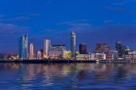 prisma f1 online liverpool river mersey fluss skyline stadt ufer modern wohnungen. Black Bedroom Furniture Sets. Home Design Ideas