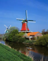 Prisma (F1 Online) - Twin mills, Krummhoern-Greetsiel, Upright photographs, River landscape, Weather
