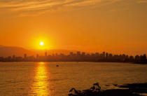 All Canada Photos (F1 Online) - Kitsilano-Strand, Burrard Inlet, Stadt von vancouver