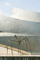 S. Tauqueur (F1 Online) - Sculpture in front of the Guggenheim Museum, Bilbao, Spain