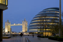 Bowman (F1 Online) - Tower Bridge und City Hall, London, England, UK, Europa