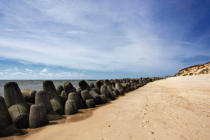 Beate Zoellner (F1 Online) - Tetrapodes at the coast at Hoernum, Sylt, Germany