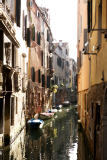 Muro (F1 Online) - View to narrow canal, Venice, Italy