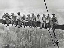 Bettmann / Corbis Archive - Lunchtime Atop a Skyscraper, 1932