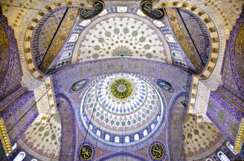 Foto-Kunstdruck: Nora De Angelli, The Blue Mosque – The Sultan Ahmed Mosque. Columns and Main Domes. Istanbul. Turkey © Nora de Ang
