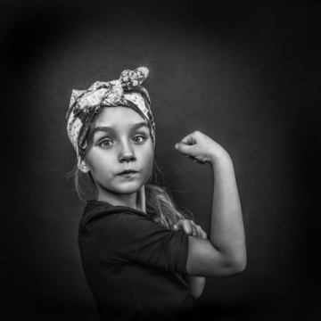 Foto-Kunstdruck: Bas Pisa, Girl power of the future