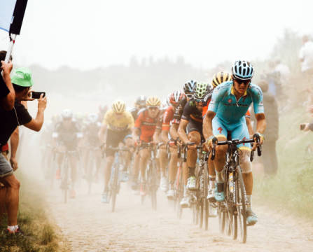 Photo Print: Carlo Beretta, Cycling in the dust