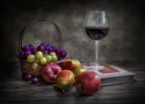 Fran Osuna - Wine, fruit and reading.