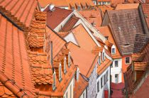 Andreas Feldtkeller - The color of these roofs...
