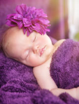 Anna Omelchenko - Cute newborn girl sleeping