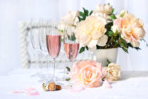 Ingram Vitantonio Cicorella - Two glasses filled with pink Champagne