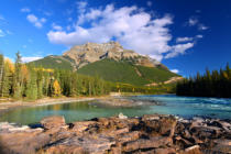 Jason Ross - Athabasca river und mount kerkeslin