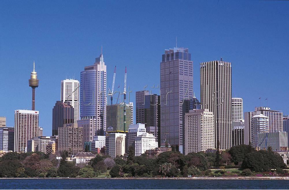 Norbert Guthier (F1 Online) - Skyline von Sydney mit Centrepoint ...